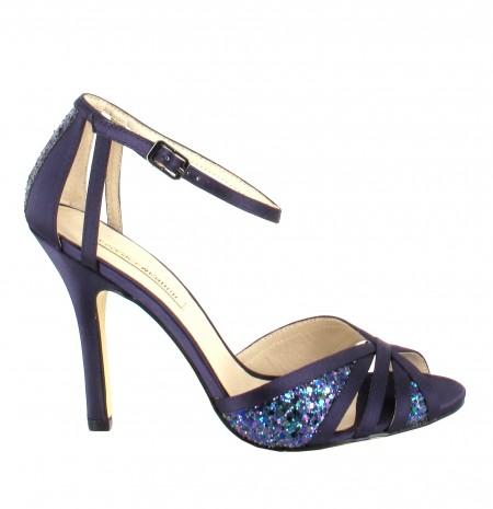 elblogdeanasuero_Zapatos de fiesta_Menbur sandalias azul noche con paillettes