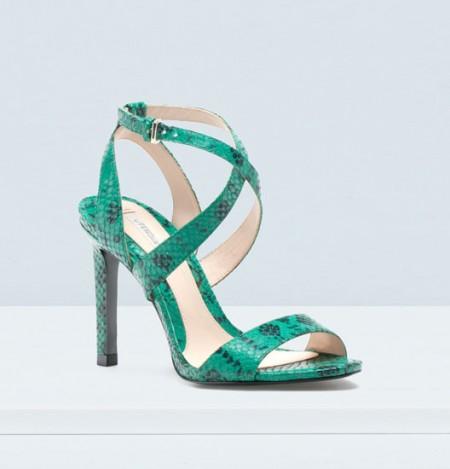 elblogdeanasuero_Zapatos de fiesta_Uterque sandalias serpiente verdes