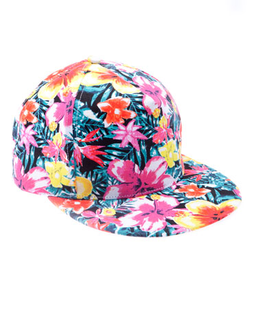 elblogdeanasuero_Estampado tropical_Bershka gorra