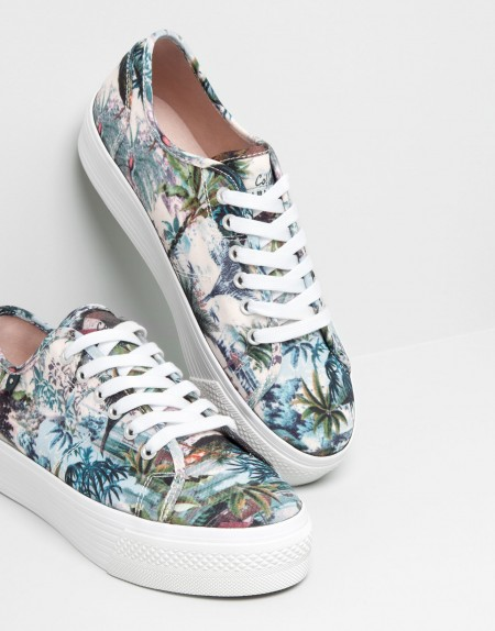 elblogdeanasuero_Estampado tropical_Pull & Bear zapatillas