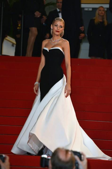 elblogdeanasuero_Festival de Cannes_Blake Lively Gucci blanco y negro