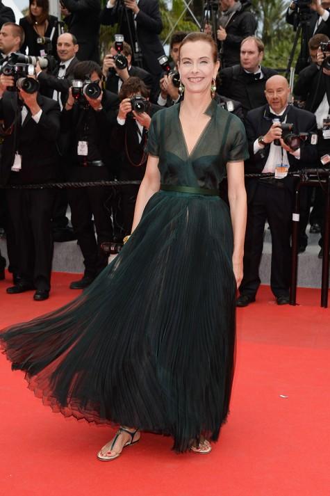elblogdeanasuero_Festival de Cannes_Carole Bouquet falda y blusa
