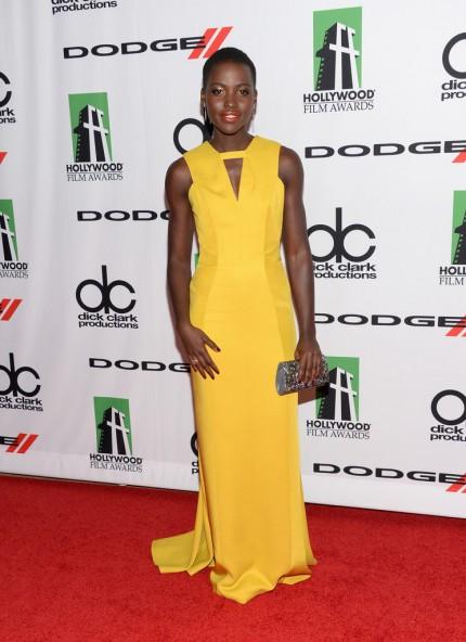 elblogdeanasuero_Lupita Nyongo_J Mendel vestido amarillo
