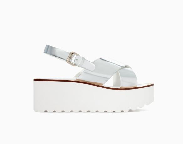 elblogdeanasuero_Boom de la semana_Zara sandalias plateadas y cuña blanca 2