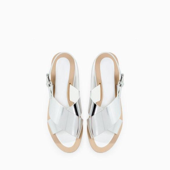 elblogdeanasuero_Boom de la semana_Zara sandalias plateadas y cuña blanca
