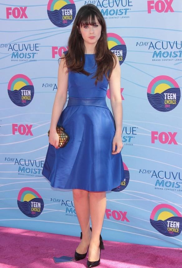 elblogdeanasuero_El estilo de Zooey Deschanel_Monique Lhuillier vestido lady azul klein