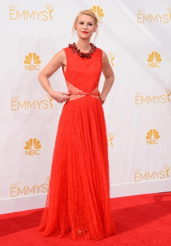 elblogdeanasuero_Alfombra roja de los Emmys 2014_Claire Danes Givenchy rojo