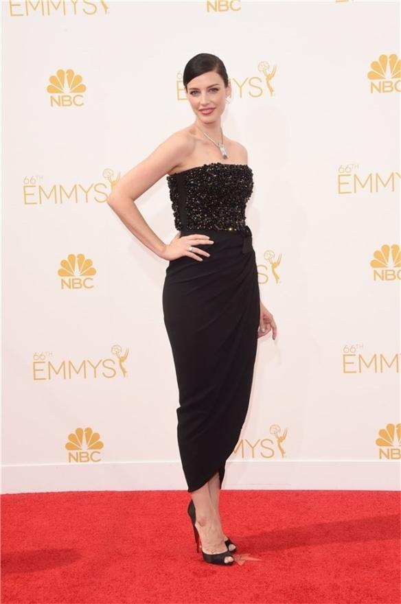 elblogdeanasuero_Alfombra roja de los Emmys 2014_Jessica Pare Lanvin negro pedrería