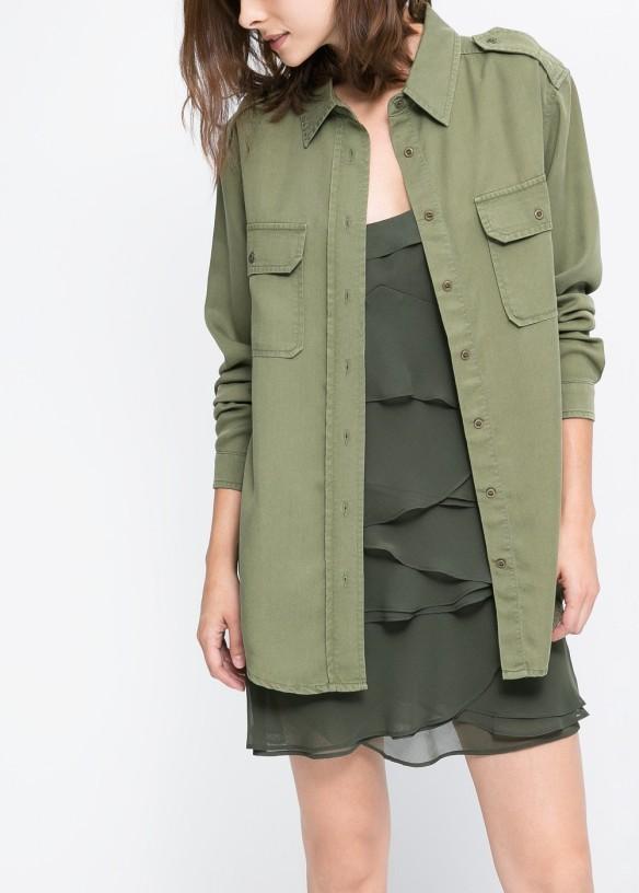 elblogdeanasuero_Verde militar_Mango camisa verde