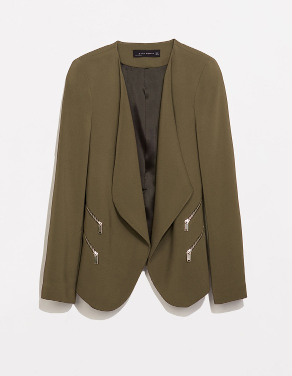 elblogdeanasuero_Verde militar_Zara blazer verde militar cremalleras