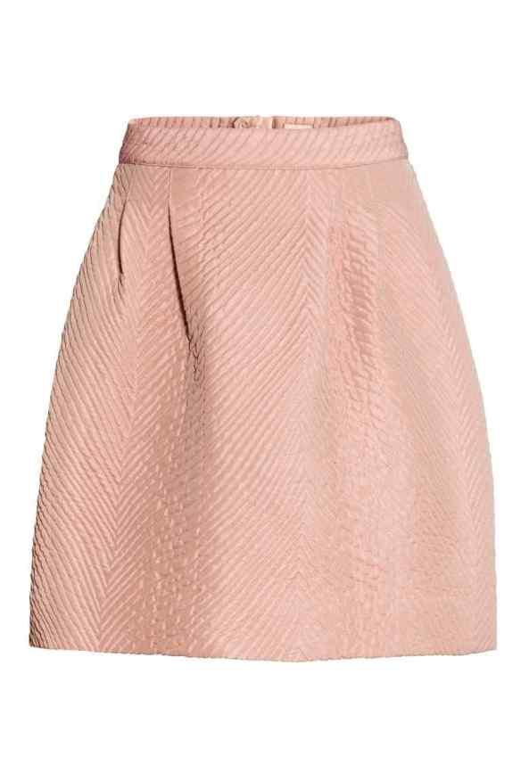 elblogdeanasuero_Rosa para invierno_H&M minifalda acolchada