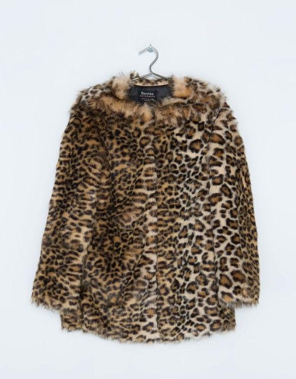 elblogdeanasuero_Abrigos animal print_Bershka chaquetón de pelo