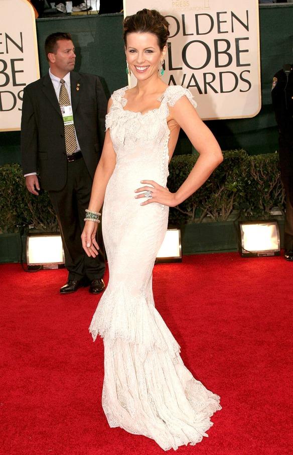 elblogdeanasuero_El estilo de Kate Beckinsale_Dior Vestido sirena blanco estilo boho