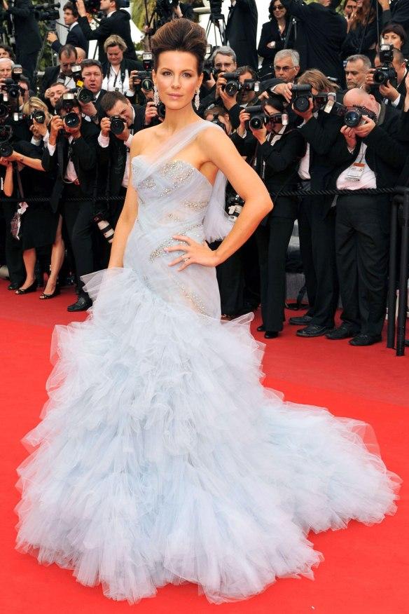 elblogdeanasuero_El estilo de Kate Beckinsale_Marchesa Vestido tul con volumen