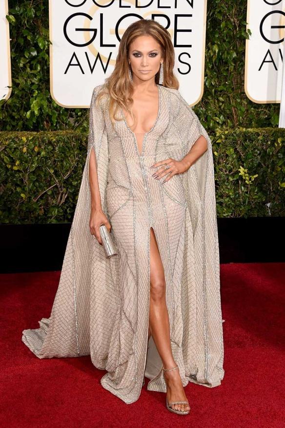elblogdeanasuero_Globos de Oro 2015_Jennifer Lopez Zuhair Murad capa y escotazo