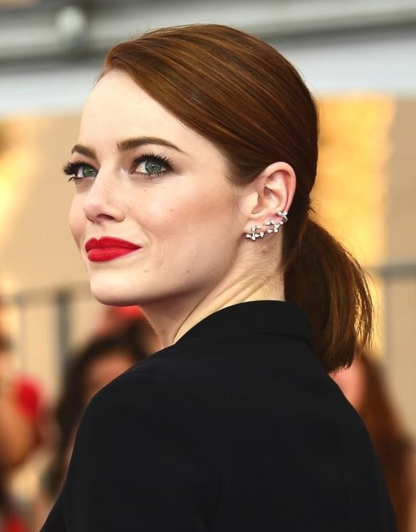 elblogdeanasuero_Multi piercing_Emma Stone 2 SAG Awards