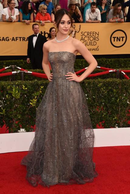 elblogdeanasuero_SAG Awards 2015_Emmy Rosum Armani palabra de honor encaje