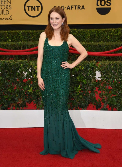elblogdeanasuero_SAG Awards 2015_Julianne Moore Givenchy paillettes verde botella