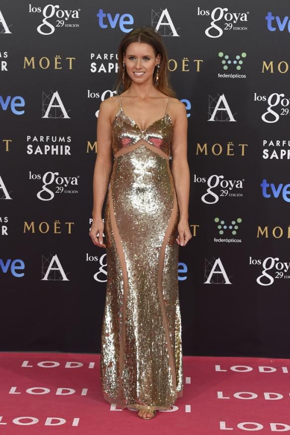 elblogdeanasuero_Alfombra roja de los Goya_Manuela Vellés vestido Elisabetta Franchi dorado de paillettes
