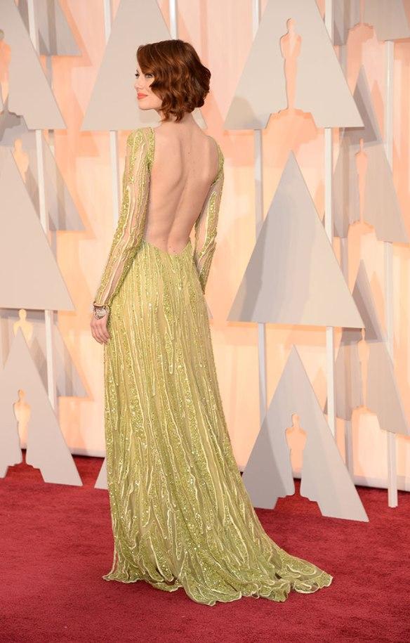 elblogdeanasuero_Oscars 2015_Emma Stone Elie Saab verde claro paillettes espalda
