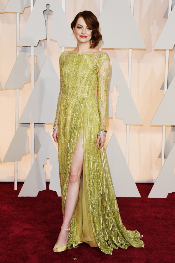 elblogdeanasuero_Oscars 2015_Emma Stone Elie Saab verde claro paillettes