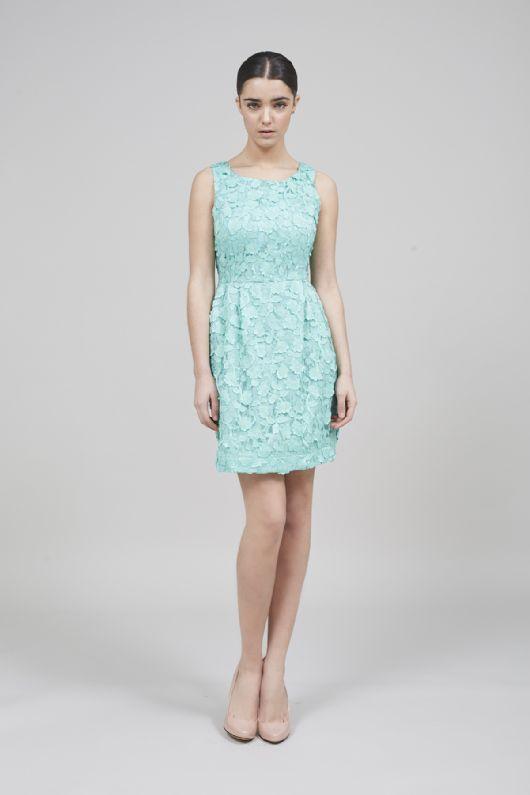 elblogdeanasuero-Invitadas boda 2015-Coosy vestido corto bordado verde pastel