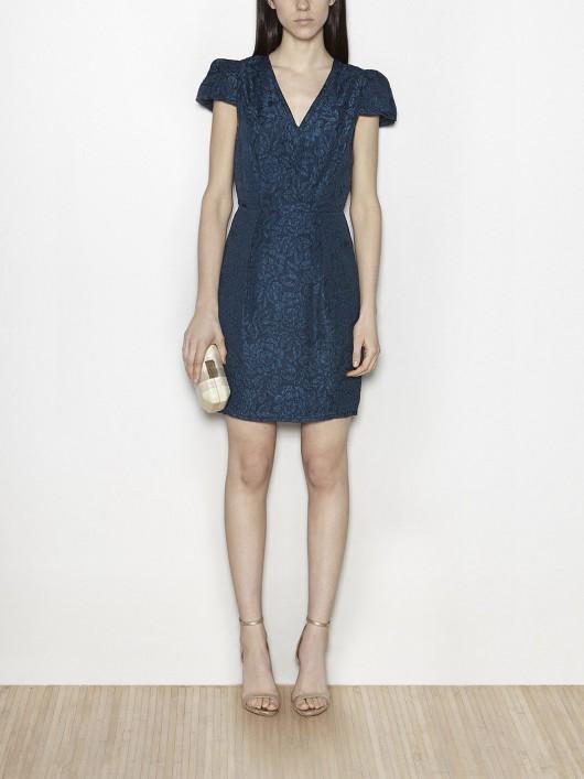 elblogdeanasuero-Invitadas boda 2015-Hoss vestido corto azul petróleo tejido brocado
