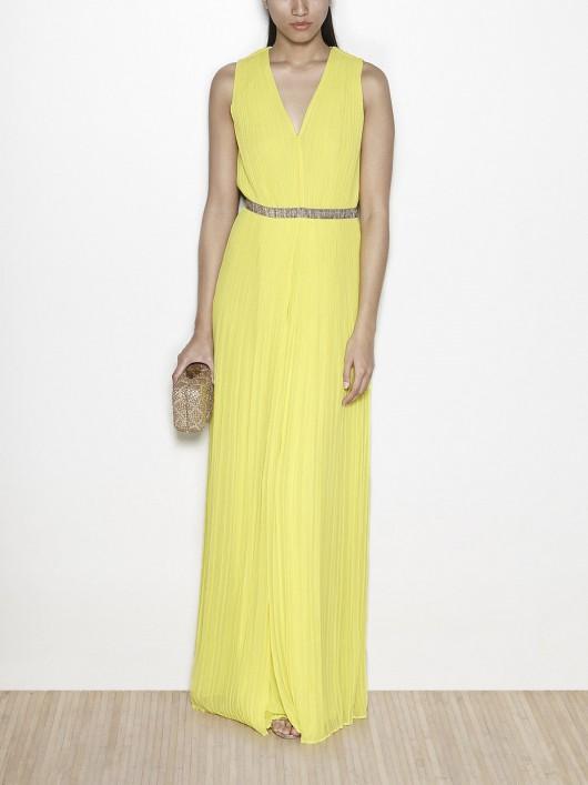 elblogdeanasuero-Invitadas boda 2015-Hoss vestido largo plisado amarillo con cinturón