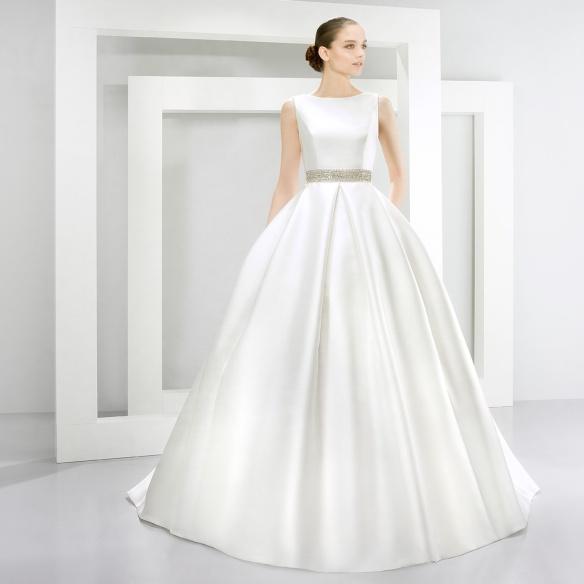 elblogdeanasuero-Vestidos de novia 2015-Jesús Peiró vestido clásico cintura plateada