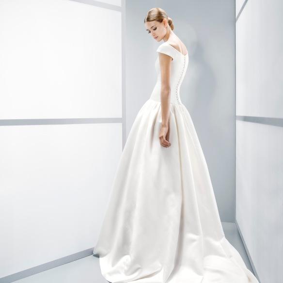 elblogdeanasuero-Vestidos de novia 2015-Jesús Peiró vestido clásico escote barco
