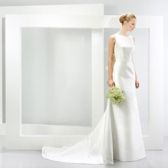 elblogdeanasuero-Vestidos de novia 2015-Jesús Peiró vestido clásico tubo