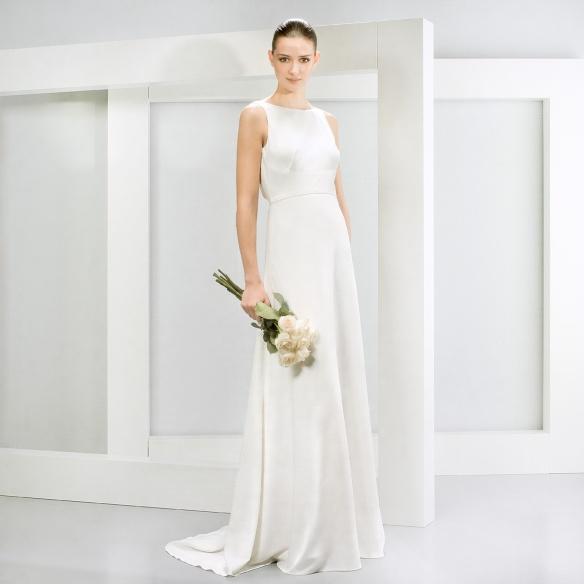 elblogdeanasuero-Vestidos de novia 2015-Jesús Peiró vestido lánguido espalda escotada delante