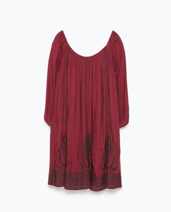 elblogdeanasuero_Pantone Primavera 2015_Zara Color mostaza vestido corto con bordados negros