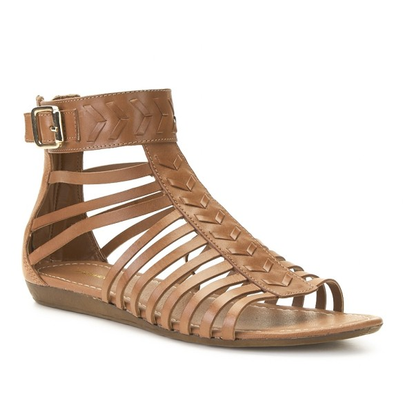 elblogdeanasuero-sandalias romanas-Merka bajas de piel marrón con empeine trenzado