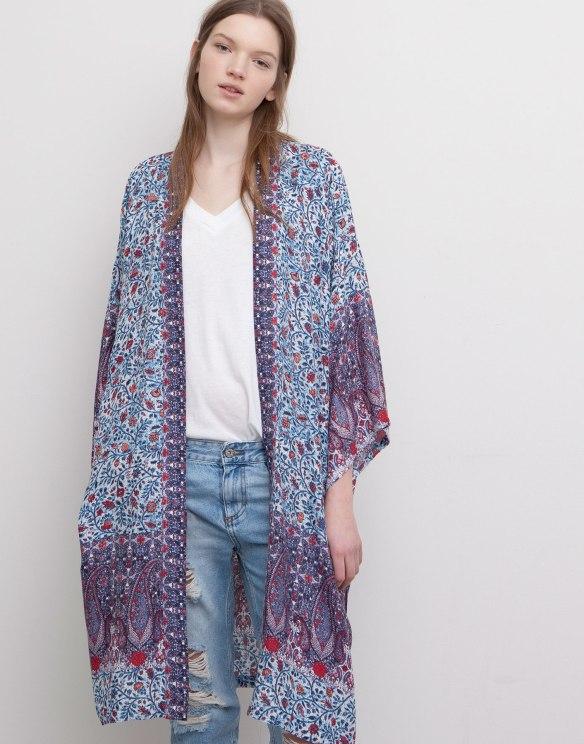 elblogdeanasuero_Kimonos 2015_Pull & Bear kimono largo estampado tipo boho