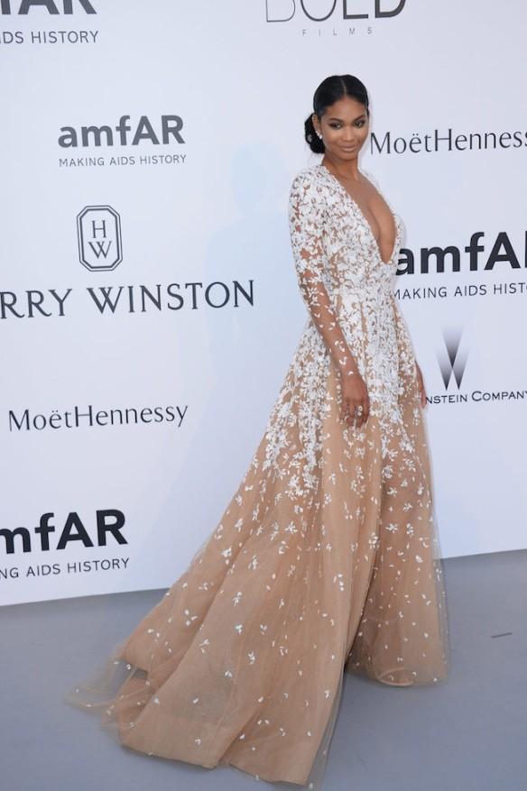 elblogdeanasuero-Gala Amfar en Cannes 2015-Chanel Iman vestido largo de tul blanco y nude de Zuhair Murad