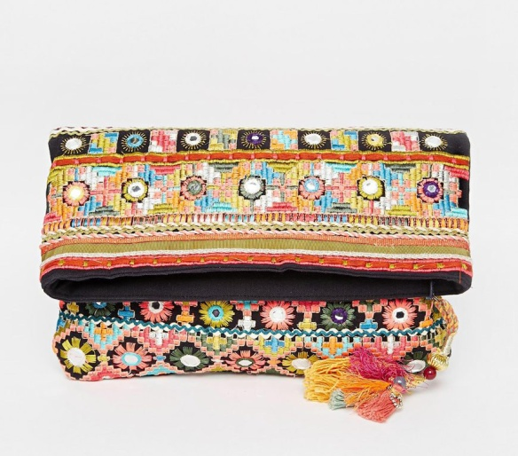 elblogdeanasuero_Clutch estampado_Asos clutch solapa bordado colores