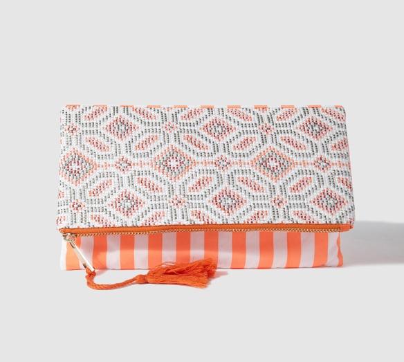elblogdeanasuero_Clutch estampado_El Corte Inglés clutch bordado naranja y blanco