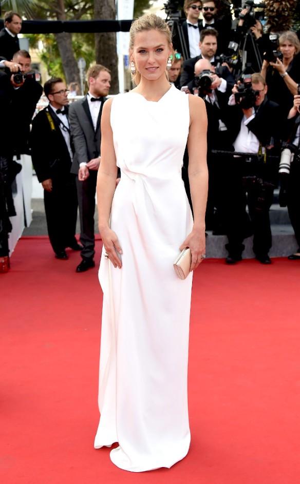 elblogdeanasuero_Festival de Cannes 2015_Bar Refaeli vestido largo blanco Roland Mouret