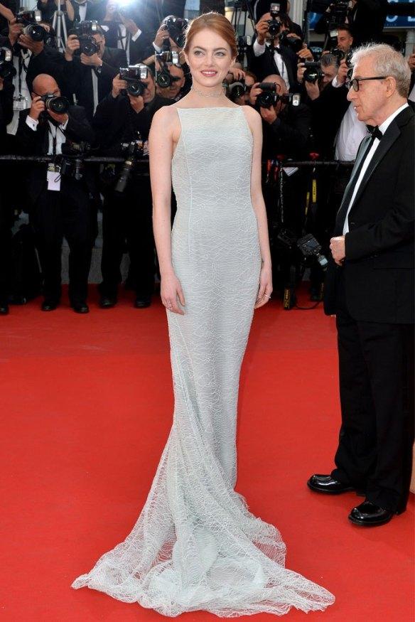 elblogdeanasuero_Festival de Cannes 2015_Emma Stone vestido largo blanco corte sirena de Dior