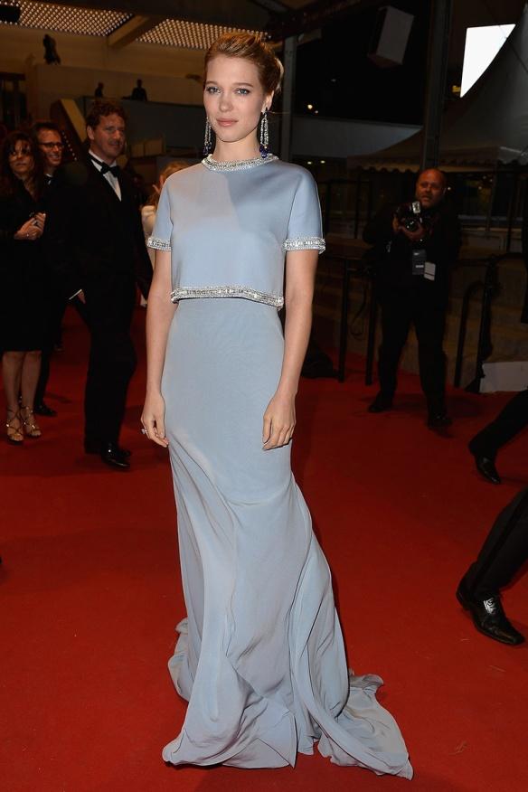 elblogdeanasuero_Festival de Cannes 2015_Lea Seydoux vestido largo azul con paillettes plata de Miu Miu