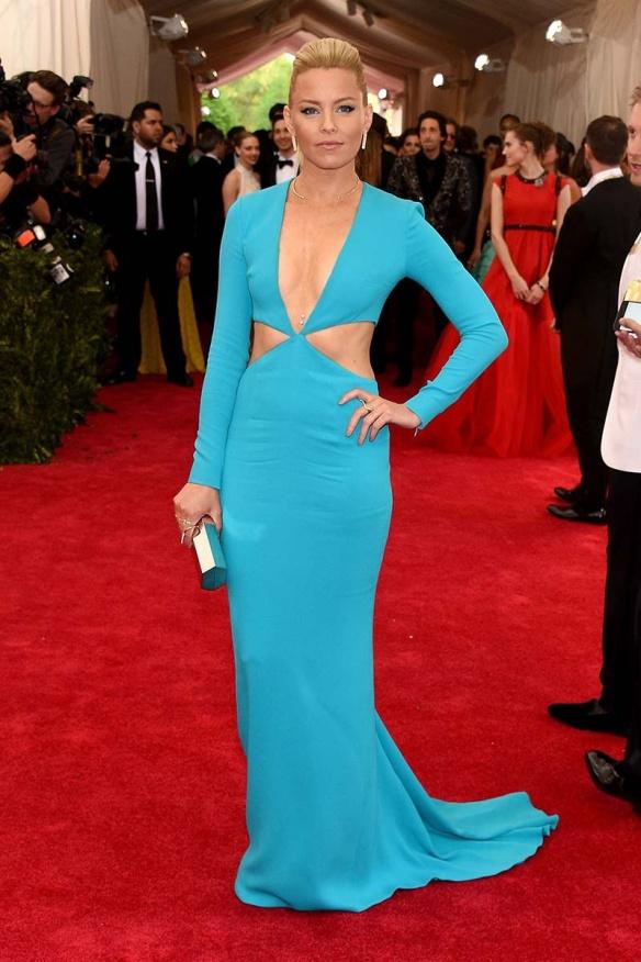 elblogdeanasuero_MET Gala 2015_Elizabeth Banks Michael Kors azul cut out