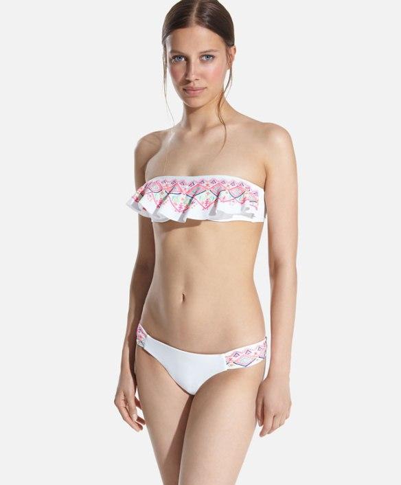 elblogdeanasuero_Bikinis 2015_Oysho bikini bandeau blanco volante bordado