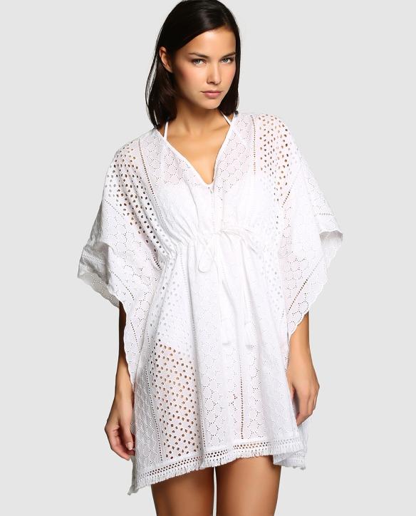 elblogdeanasuero-moda para la playa-El Corte Inglés caftan blanco con bordados para la playa