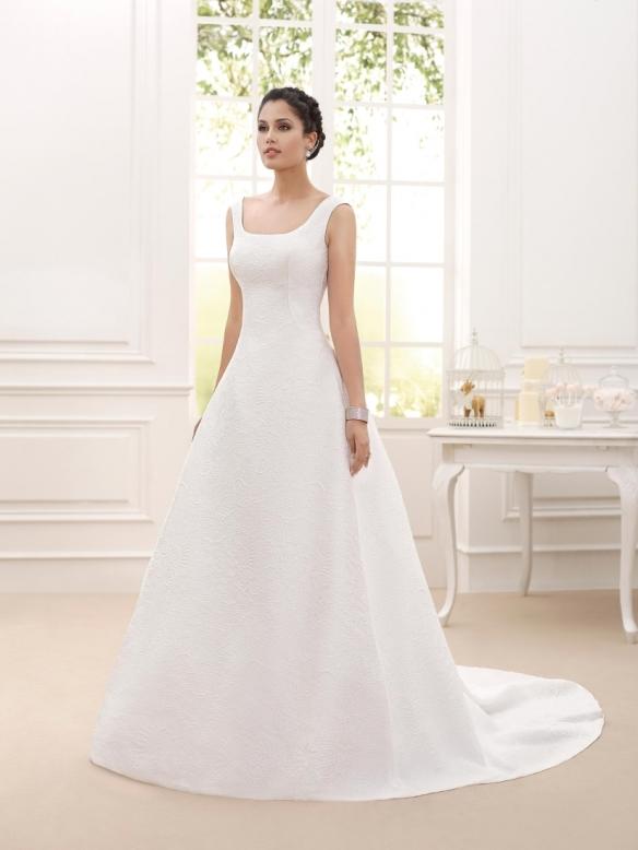 elblogdeanasuero-Avance vestidos de novia 2016-Novia D´art vestido clásico tela brocada y escote en la espalda VALS