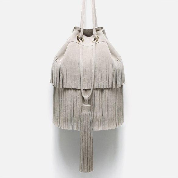 elblogdeanasuero-Tendencia flecos-Zara bolso saco con flecos color crudo