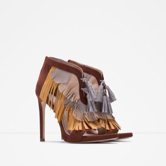 elblogdeanasuero-Tendencia flecos-Zara sandalias con flecos de tres colores