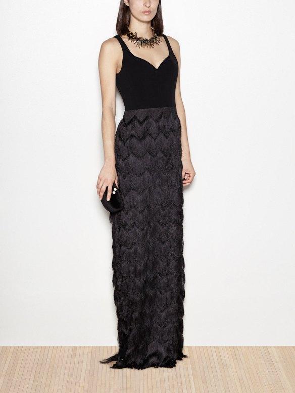 el blog de ana suero-vestidos para invitadas a una boda en otoño invierno-Hoss vestido largo tirantes y falda flecos negro