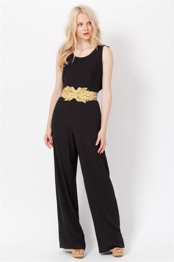el blog de ana suero-vestidos para invitadas a una boda en otoño invierno-Poete mono negro espalda escotada