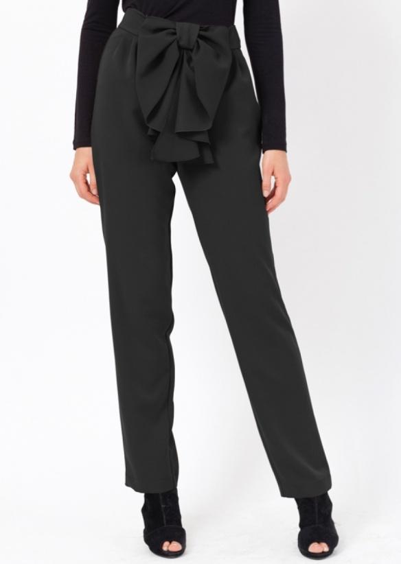 el blog de ana suero-vestidos para invitadas a una boda en otoño invierno-Poete Pantalón de vestir negro con lazo delante